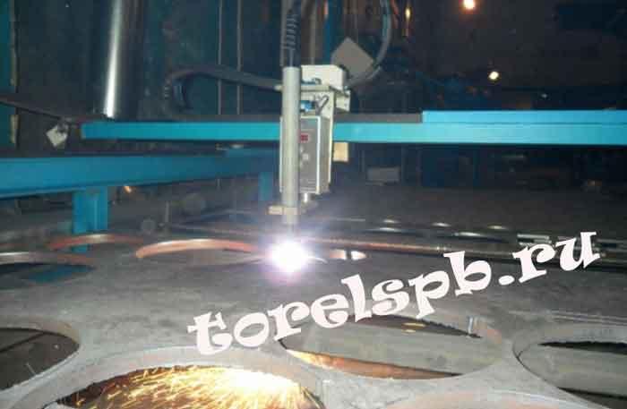 процесс плазменной резки толстого металла